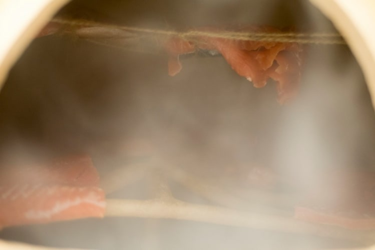 kurant-ensayos-sculpture-for-smoking-fish-749x500.jpg